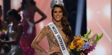 Model Seksi Iris Mittenaere Sabet Mahkota Miss Universe 2016
