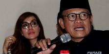 Rakyat Miskin Serahkan Tiang Gantung & Kain Kafan untuk Koruptor e-KTP