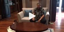 Disindir Jokowi, Jangan Banyak Keluhan. Ibu Ani Posting Video: Awas jatuh....
