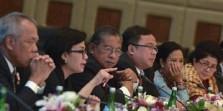 Tim Ekonomi Jokowi Sajikan Perekonomian yang Menyesatkan